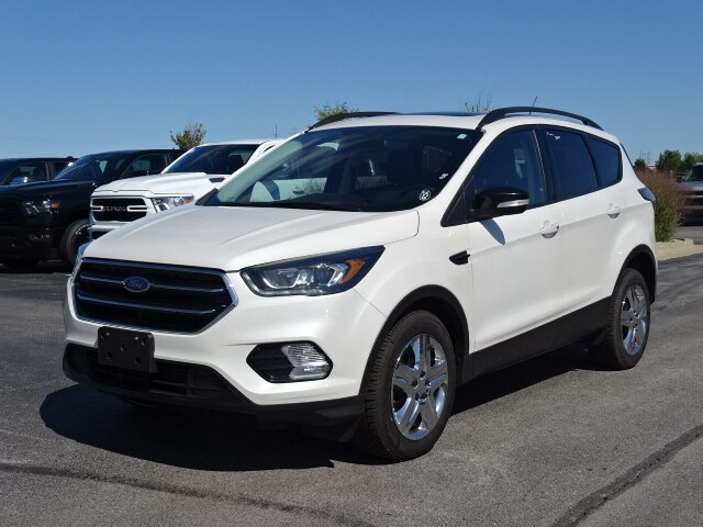 Ford Escape Titanium >> Pre Owned 2017 Ford Escape Titanium 4wd