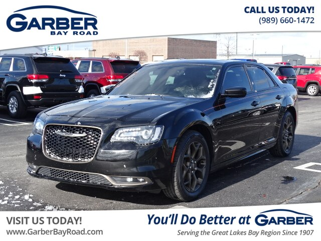 Garber Bay Road >> Pre Owned 2016 Chrysler 300 S Awd